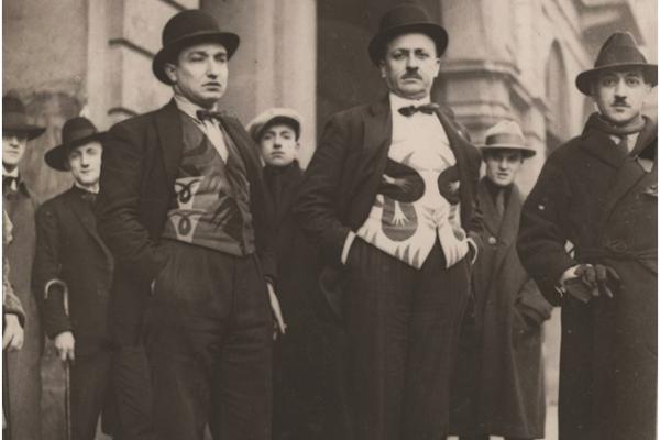 Depero, Marinetti e Cangiullo a Torino, il 14 gennaio 1924, in occasione dello spettacolo della Compagnia del Nuovo Teatro Futurista.